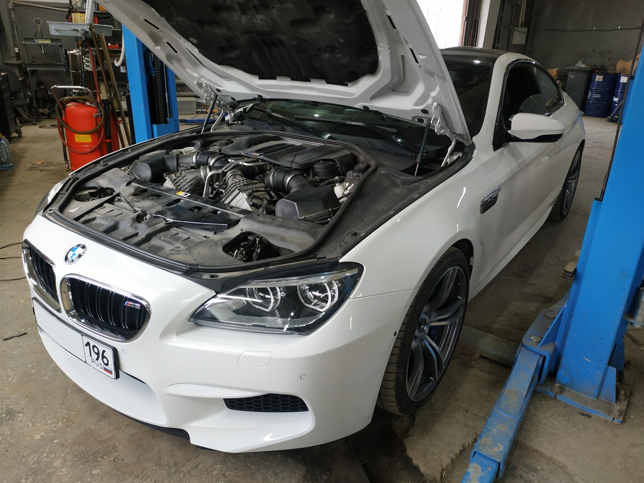 BMW F13 M6 2012