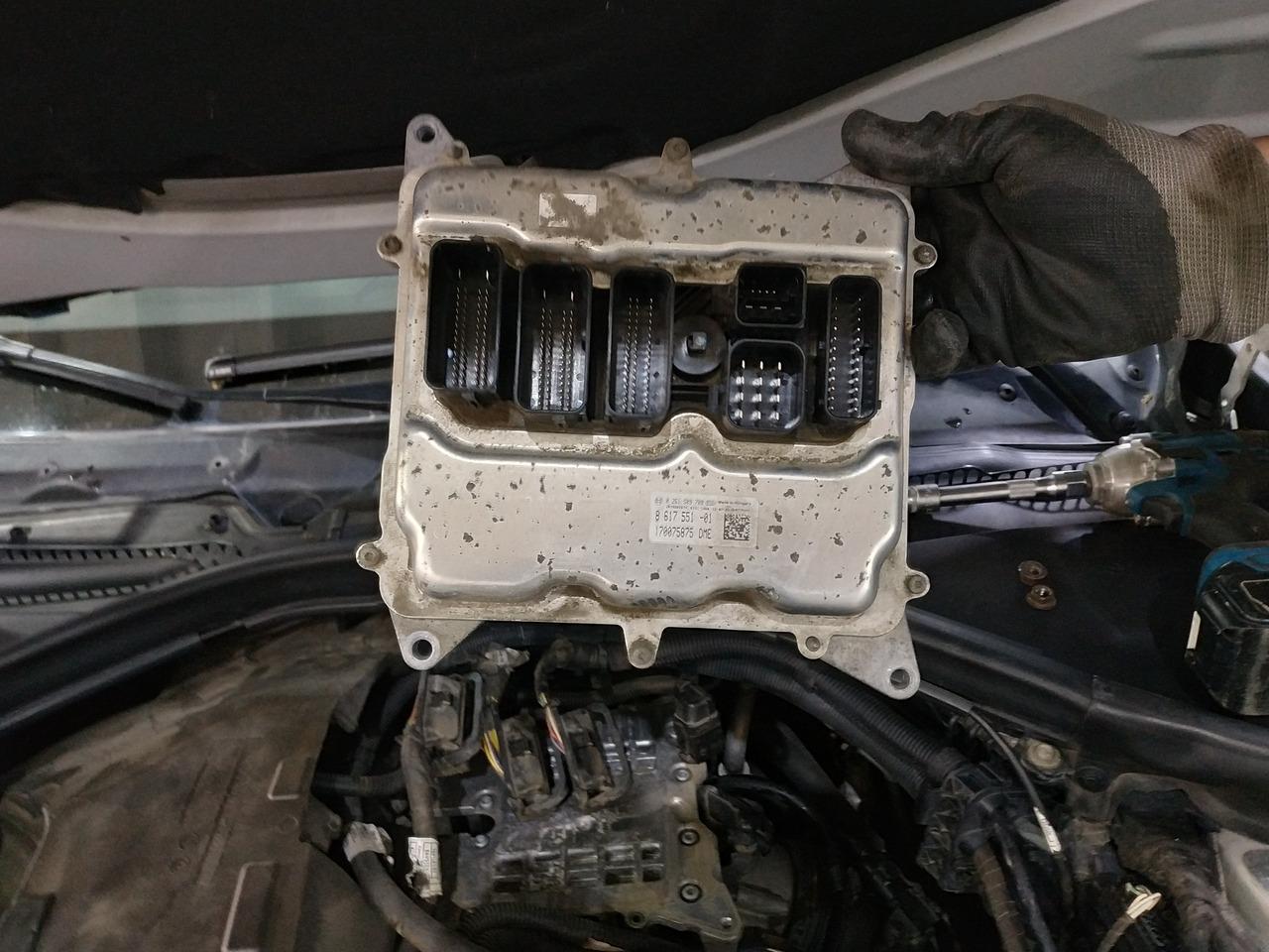 F30, блок управления двигателем, ЭБУ
