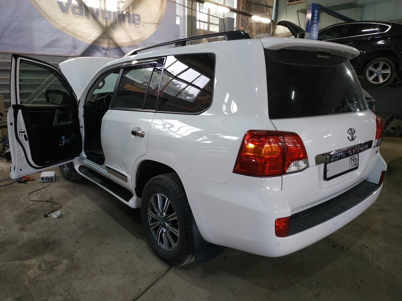 Toyota Land Cruiser 200, 2014 г.в.