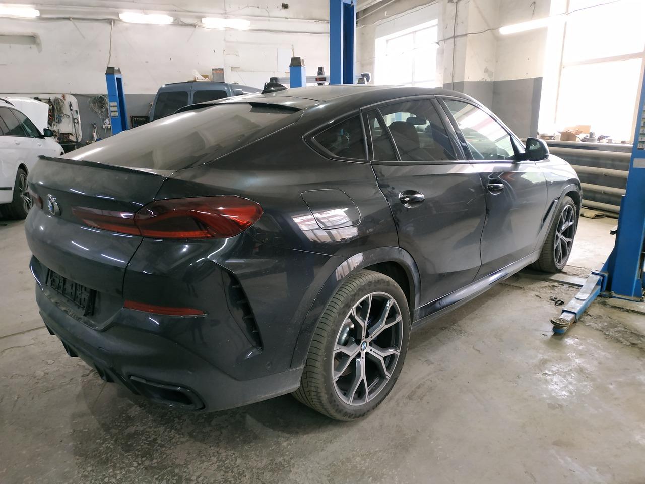 BMW X6 G06 40d 2020, вид сзади