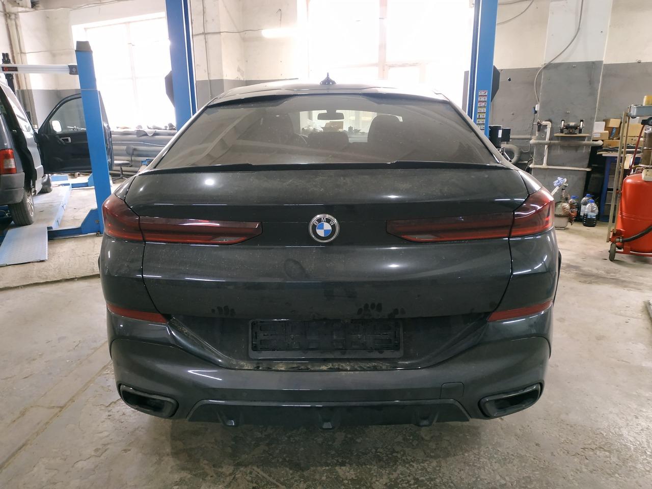 BMW X6 G06, вид сзади