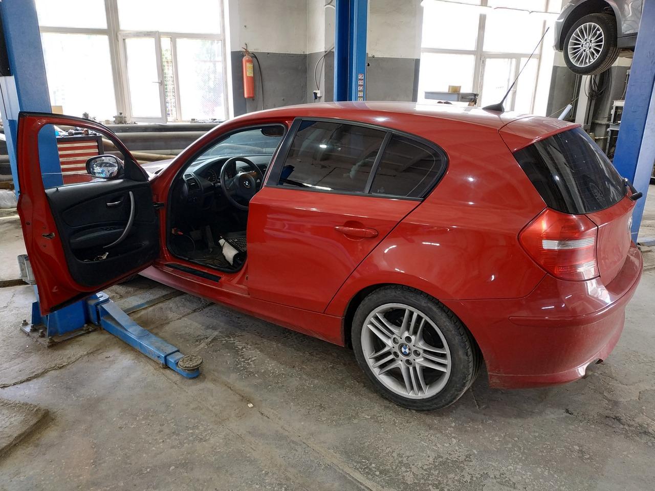 BMW E87 116i, вид сзади