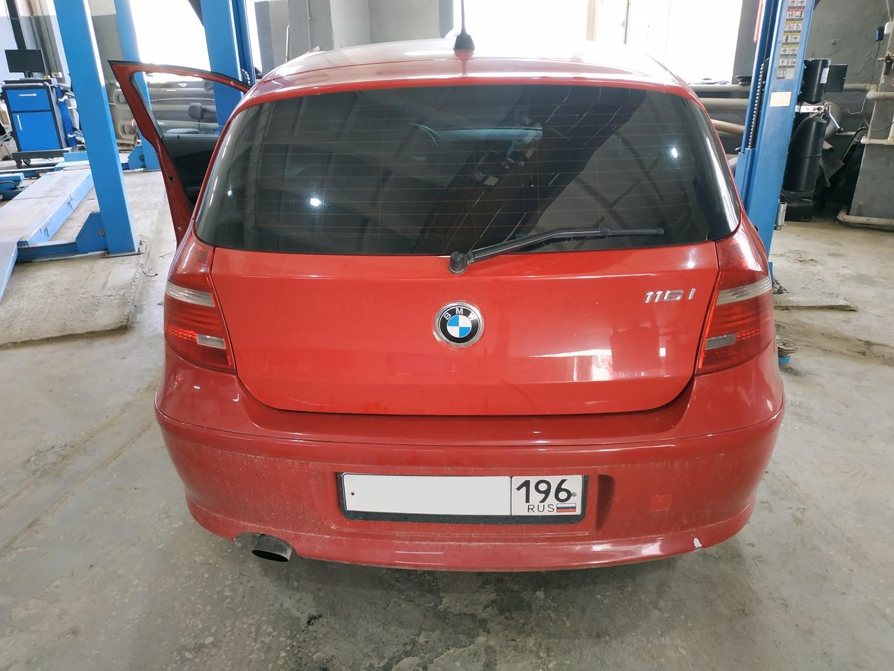 BMW E87 116i 2011, вид сзади
