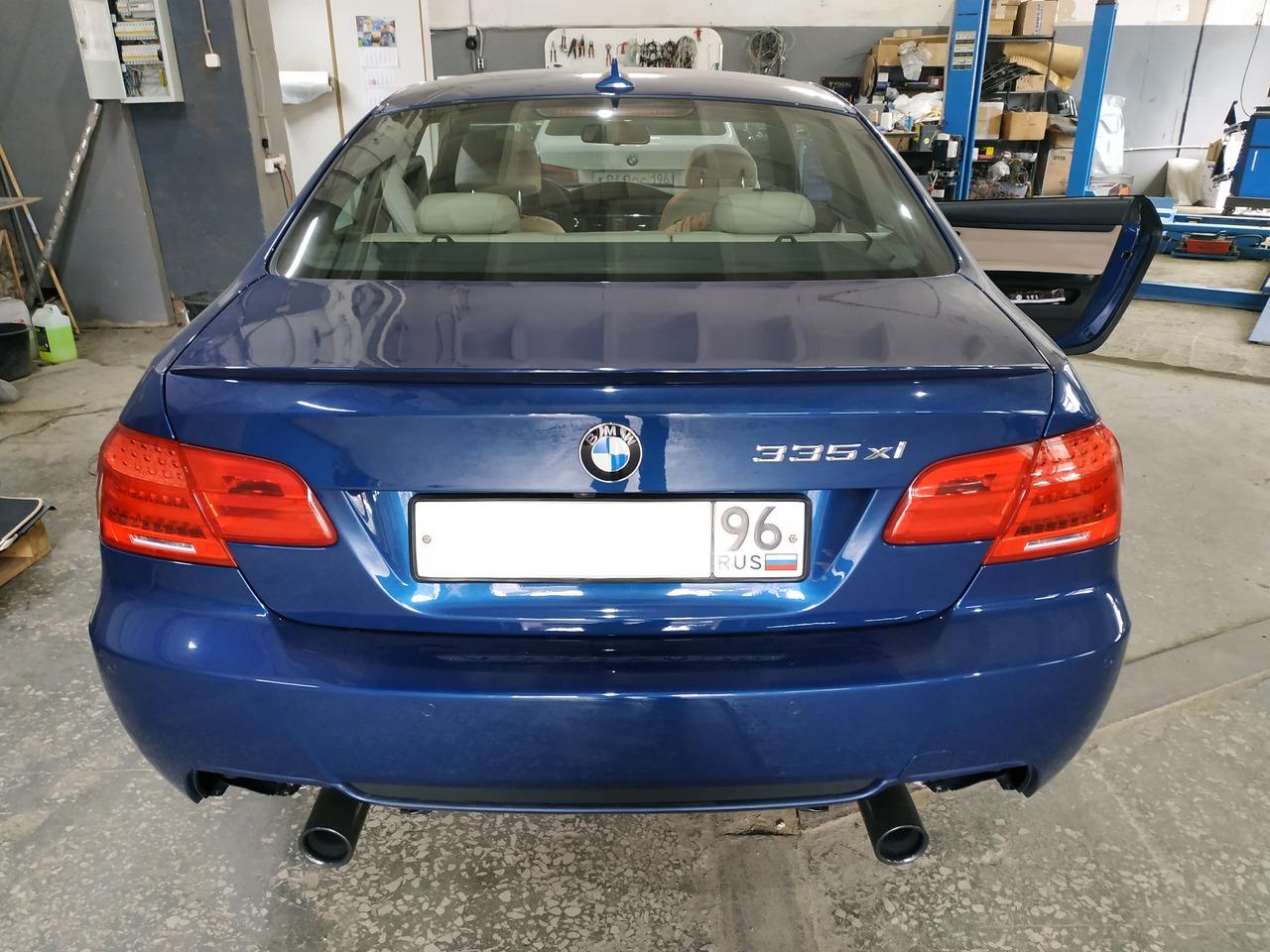 BMW E92 335ix, вид сзади