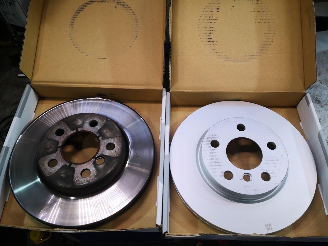 Старый и новый тормозной диск