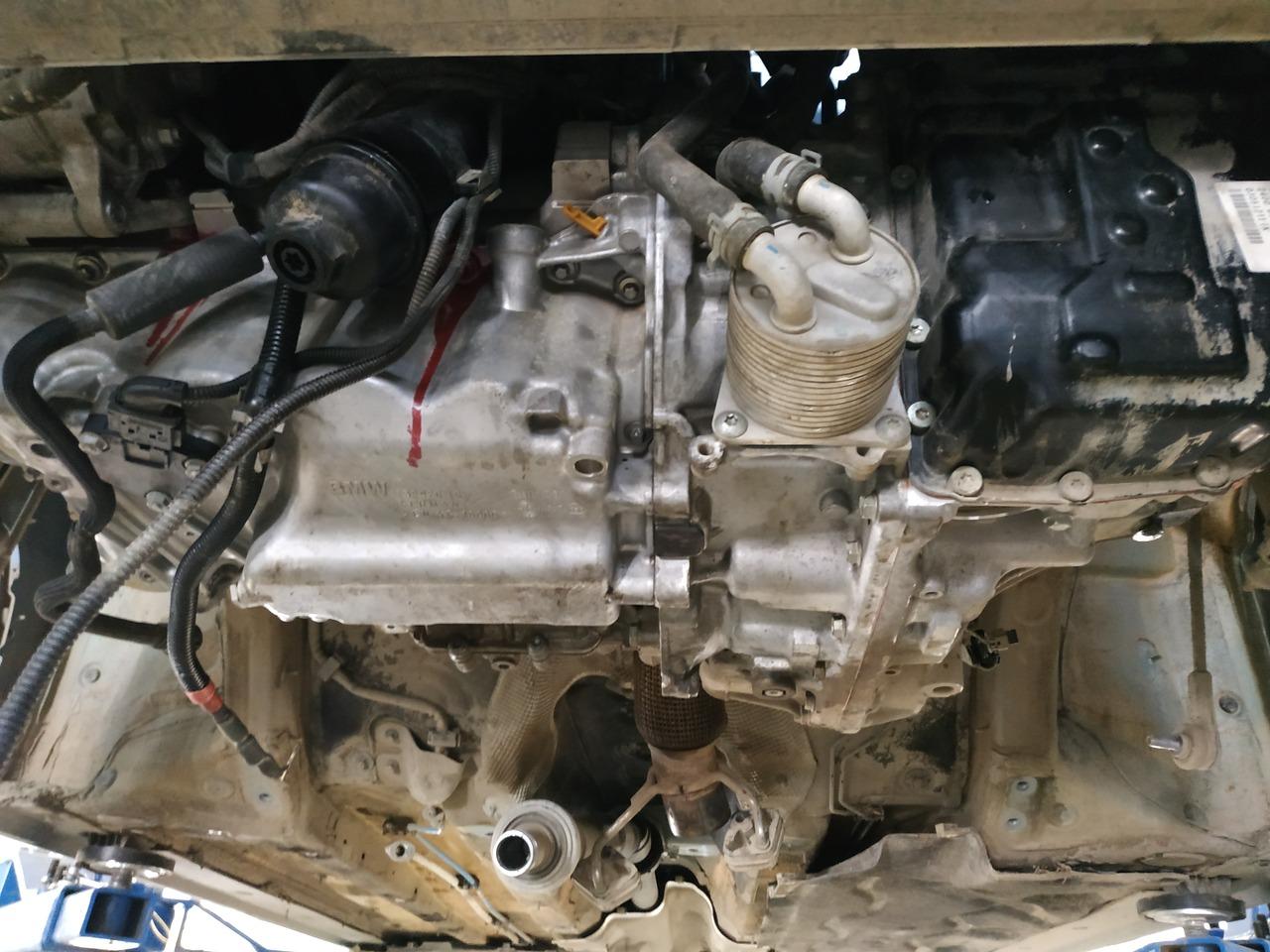 мотор B48, вид снизу