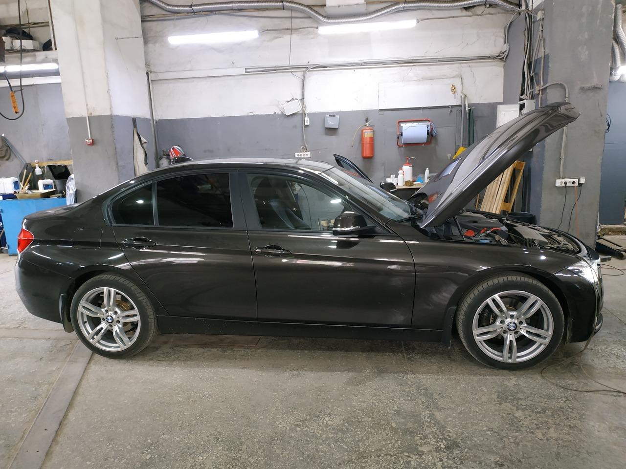 BMW F30 318i 2016