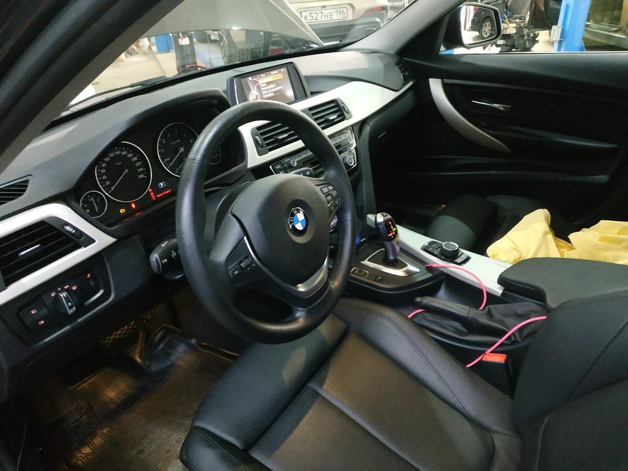 Салон BMW F30 318i