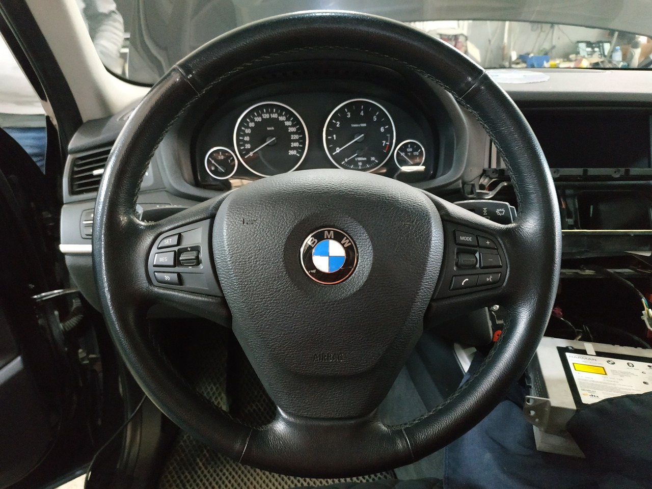 Руль с кнопками, X3 F25