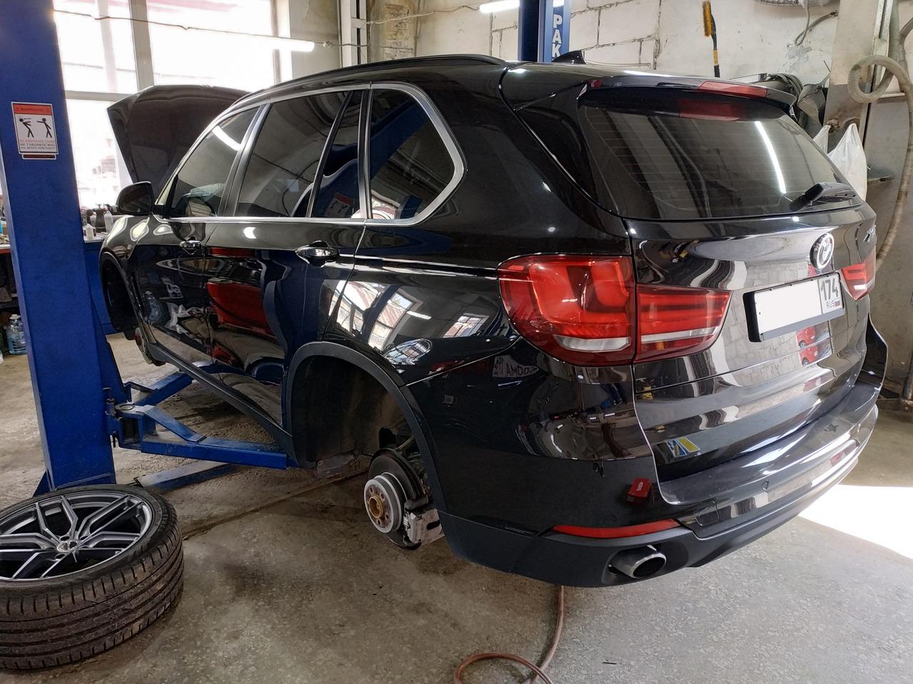 BMW X5 F15 25d, установка комплекта подвески
