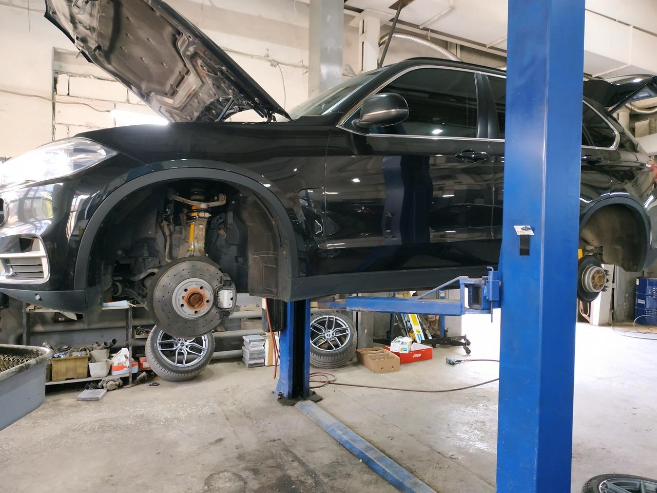 замена пружин и амортизаторов, BMW F15