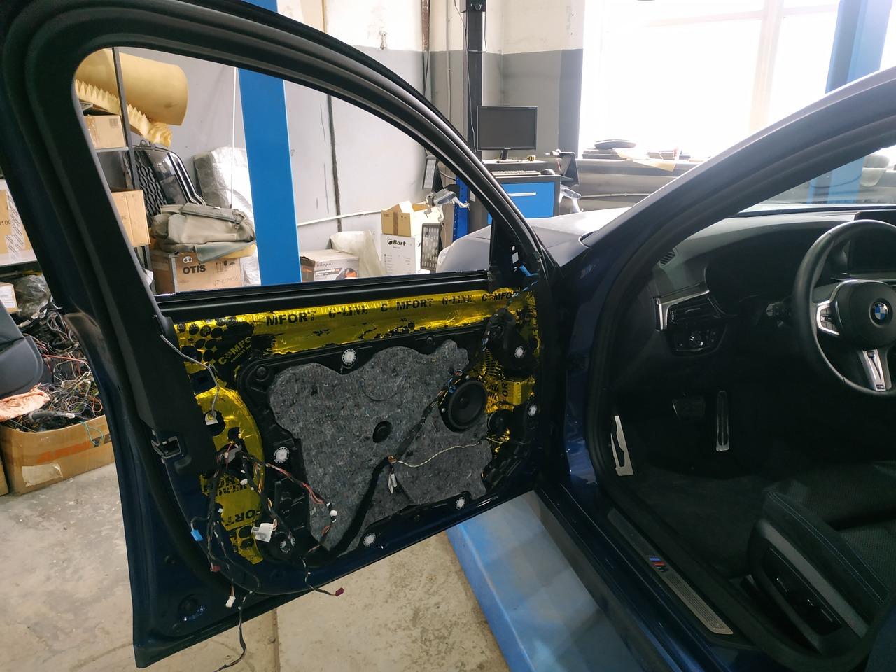 водительская дверь без стекла, BMW G30